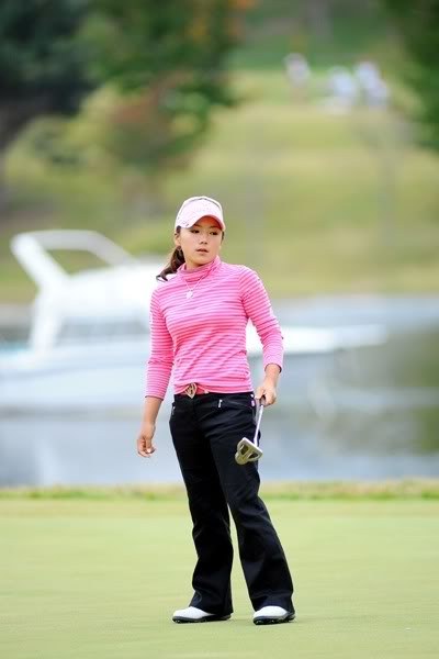 Park Hee Young @ HSBC Women's Champion 2010 - Page 2 16857_600400