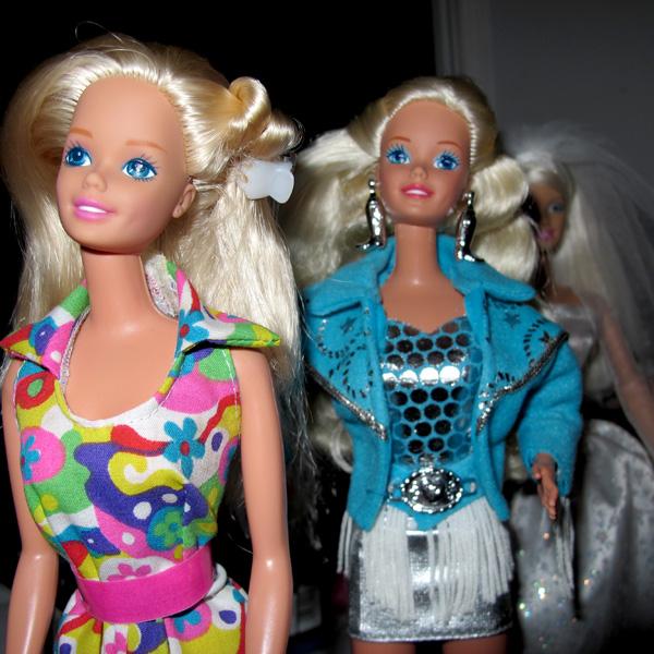 Mikaella: Они поселились у меня  - Page 2 Barbie-Bali