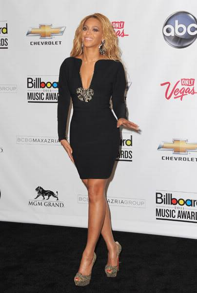 22/06 :    Performance aux Billboard Music Awards 64864903cheleny5222011102534PM