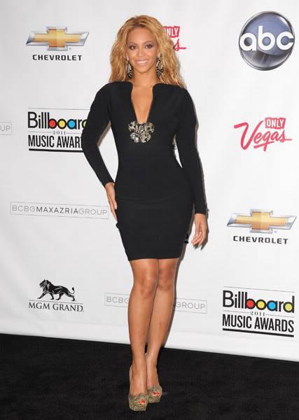 22/06 :    Performance aux Billboard Music Awards 64864912cheleny5222011102537PM
