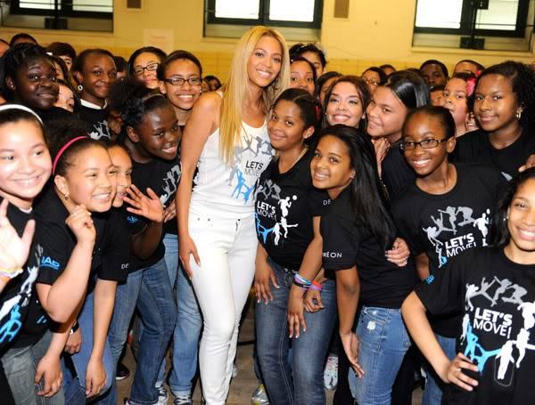 Beyoncé ré-enregistre 'Get Me Bodied' pour une campagne de lutte contre l'obésité - Page 9 64575748cheleny53201145213PM