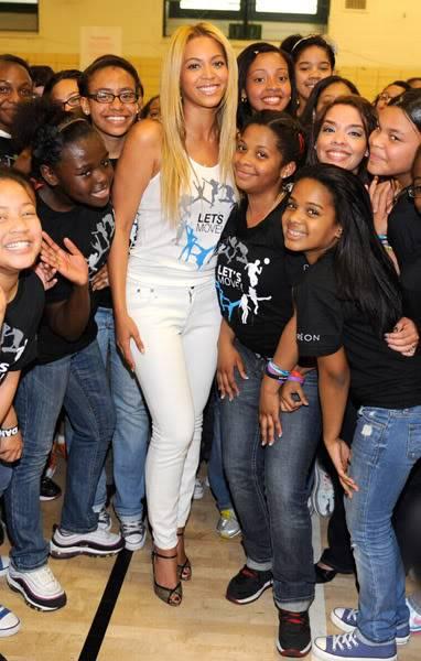 Beyoncé ré-enregistre 'Get Me Bodied' pour une campagne de lutte contre l'obésité - Page 9 64575749cheleny53201145307PM