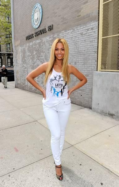 Beyoncé ré-enregistre 'Get Me Bodied' pour une campagne de lutte contre l'obésité - Page 9 64575754cheleny53201145325PM