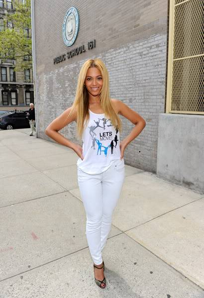 Beyoncé ré-enregistre 'Get Me Bodied' pour une campagne de lutte contre l'obésité - Page 9 64575756cheleny53201145233PM