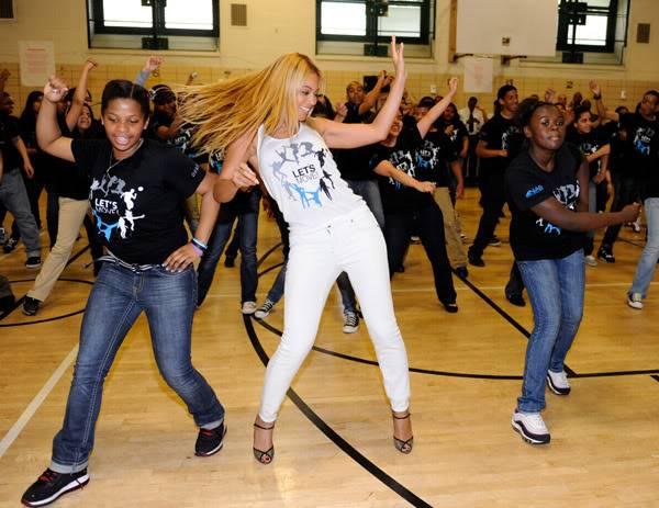 Beyoncé ré-enregistre 'Get Me Bodied' pour une campagne de lutte contre l'obésité - Page 9 64575776cheleny53201150104PM