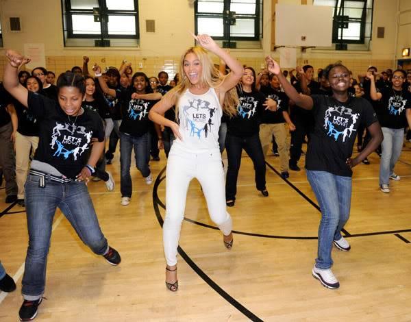 Beyoncé ré-enregistre 'Get Me Bodied' pour une campagne de lutte contre l'obésité - Page 9 64575778cheleny53201150141PM