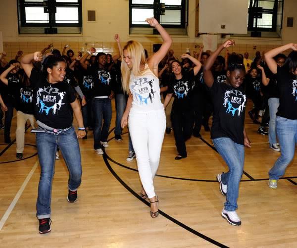 Beyoncé ré-enregistre 'Get Me Bodied' pour une campagne de lutte contre l'obésité - Page 9 64575792cheleny53201150013PM