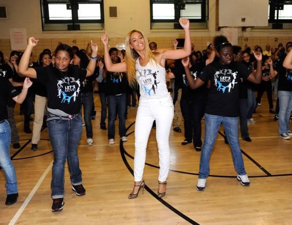 Beyoncé ré-enregistre 'Get Me Bodied' pour une campagne de lutte contre l'obésité - Page 9 64575795cheleny53201150053PM