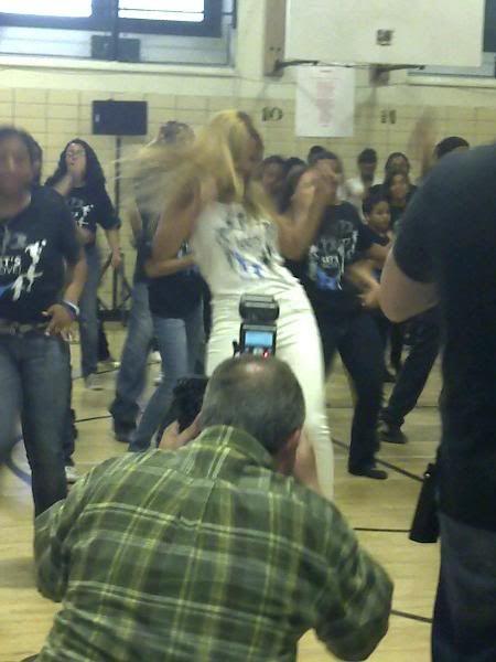 Beyoncé ré-enregistre 'Get Me Bodied' pour une campagne de lutte contre l'obésité - Page 9 X2_5ddabca