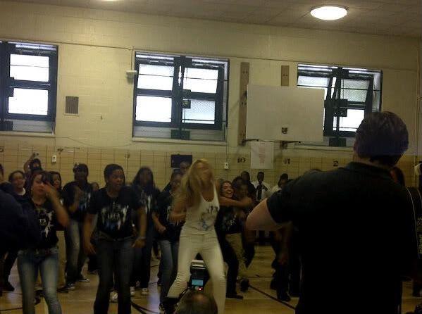 Beyoncé ré-enregistre 'Get Me Bodied' pour une campagne de lutte contre l'obésité - Page 9 X2_5ddac85