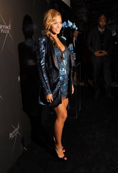 Beyoncé > Fragancias 'Heat'/'Pulse'/'Rise' (#1 Selling Celebrity Fragrance Line) - Página 3 125909929cheleny921201184740PM