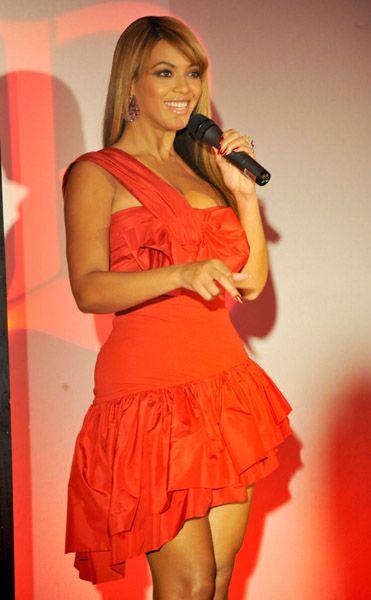 Parfumerie de Beyoncé - Pulse, Automne 2011 - Page 4 59484789cheleny23201011741AM