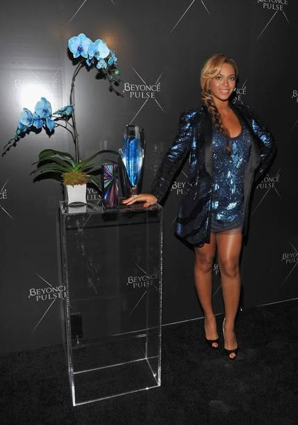 Beyoncé > Fragancias 'Heat'/'Pulse'/'Rise' (#1 Selling Celebrity Fragrance Line) - Página 3 X610-2