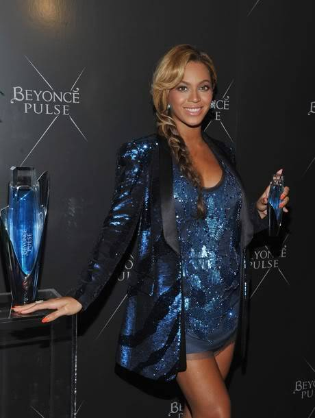 Beyoncé > Fragancias 'Heat'/'Pulse'/'Rise' (#1 Selling Celebrity Fragrance Line) - Página 3 X610-3