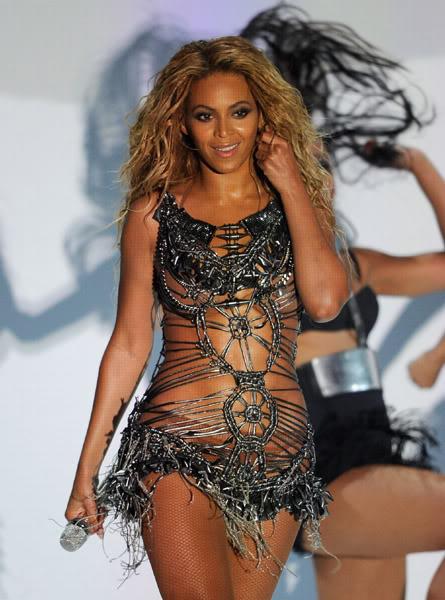 22/06 :    Performance aux Billboard Music Awards 64863649cheleny522201192200PM