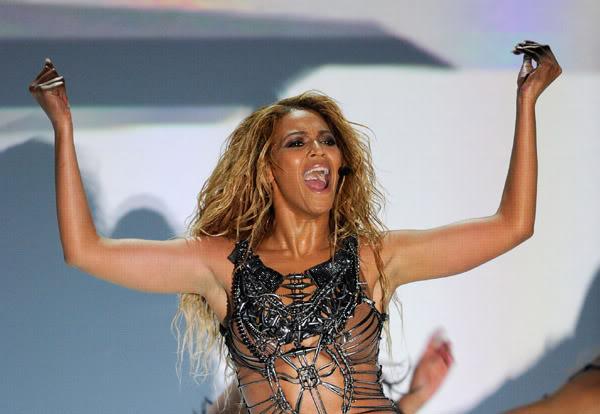 22/06 :    Performance aux Billboard Music Awards 64863828cheleny522201193222PM