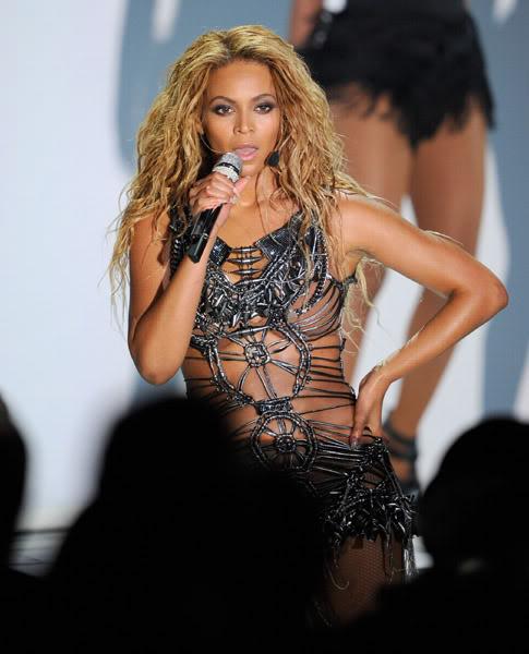 22/06 :    Performance aux Billboard Music Awards 64863832cheleny522201193232PM