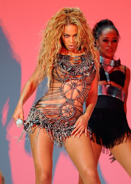 22/06 :    Performance aux Billboard Music Awards 64863978cheleny522201193805PM