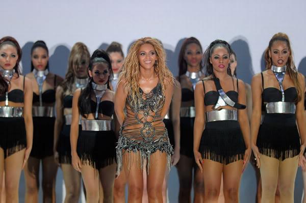 22/06 :    Performance aux Billboard Music Awards 64863981cheleny522201193751PM