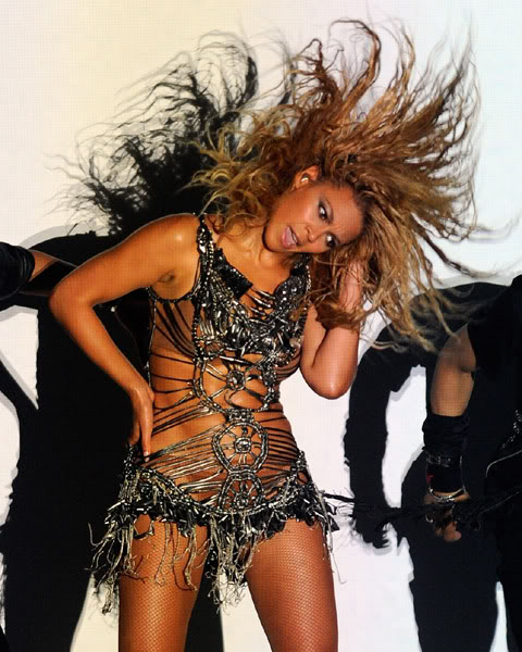 22/06 :    Performance aux Billboard Music Awards 64863982cheleny522201193754PM
