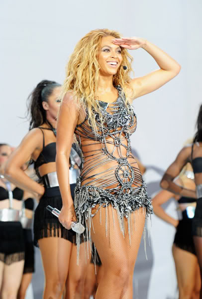 22/06 :    Performance aux Billboard Music Awards 64864075cheleny522201194923PM