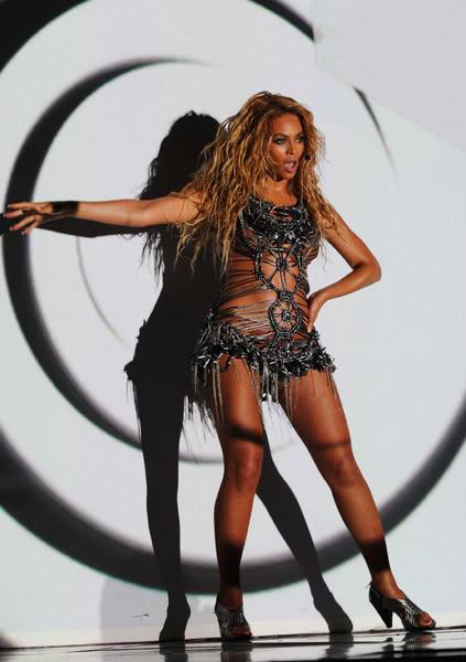 22/06 :    Performance aux Billboard Music Awards 64864142cheleny522201195019PM