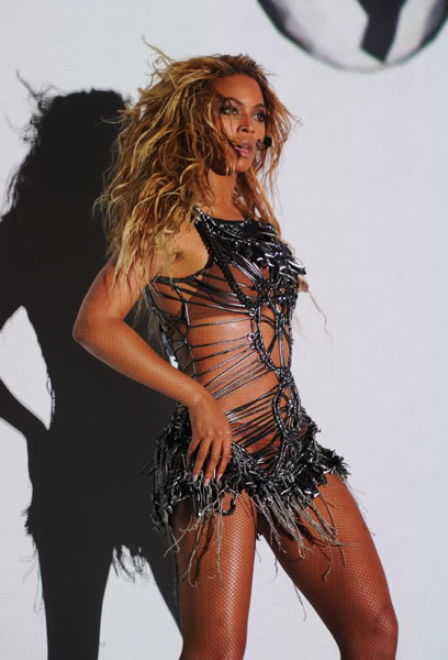 22/06 :    Performance aux Billboard Music Awards 64864170cheleny522201195026PM