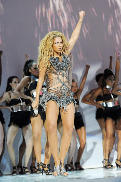 22/06 :    Performance aux Billboard Music Awards 64864225cheleny522201194939PM