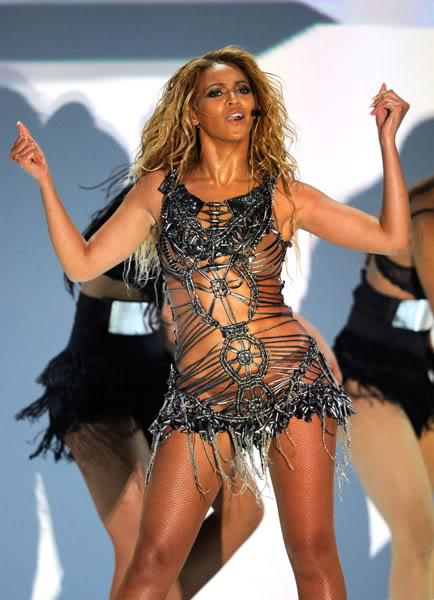 22/06 :    Performance aux Billboard Music Awards 64864487cheleny5222011101039PM
