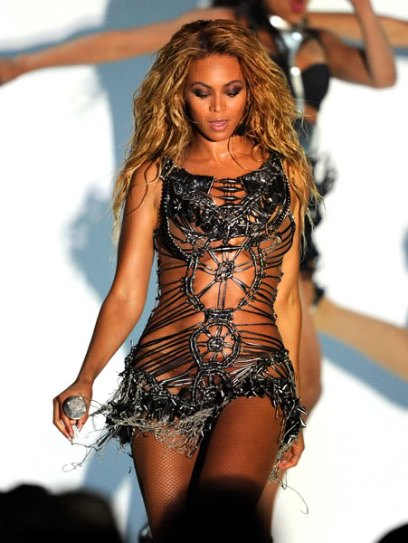 22/06 :    Performance aux Billboard Music Awards 64864493cheleny5222011101030PM