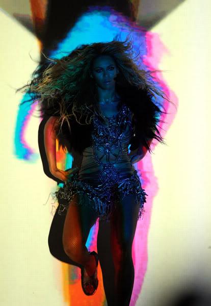 22/06 :    Performance aux Billboard Music Awards 64864515cheleny5222011101013PM