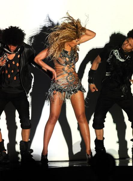 22/06 :    Performance aux Billboard Music Awards 64864519cheleny5222011101021PM