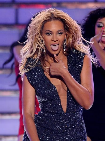 25 Mai - American Idol Finale  - Page 4 64903211cheleny525201185829PM