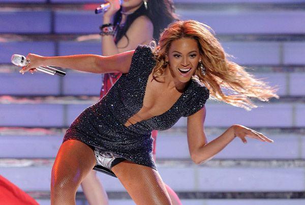 25 Mai - American Idol Finale  - Page 4 64903260cheleny525201190023PM