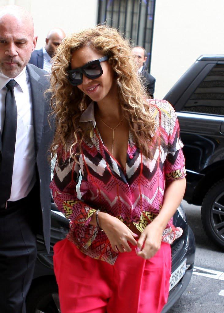 Beyoncé, Jay et Blue à l'hotel Meurice (04/06) 2105b0ec2fa00af5_79050PCN_Jayonce11xxxlarge