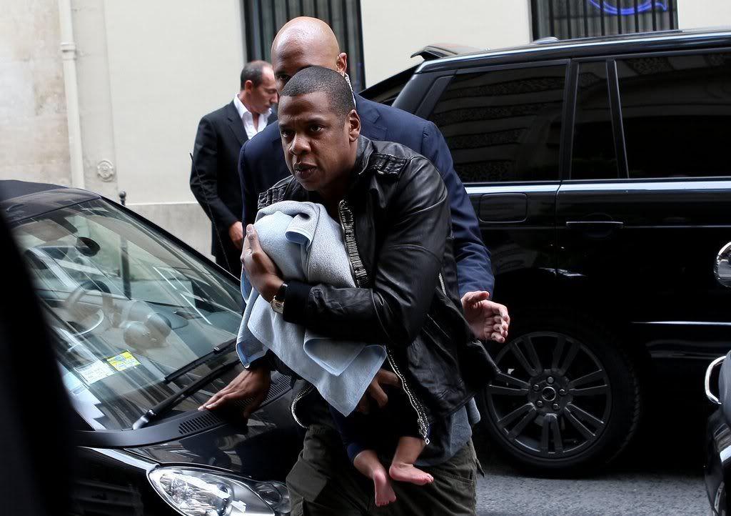 Beyoncé, Jay et Blue à l'hotel Meurice (04/06) 22302053b456fde9_79050PCN_Jayonce15xxxlarge