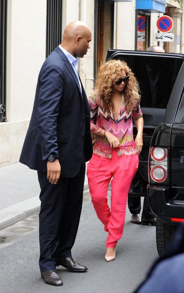 Beyoncé, Jay et Blue à l'hotel Meurice (04/06) 3cadd597f1e83328_79050PCN_Jayonce02xxxlarge