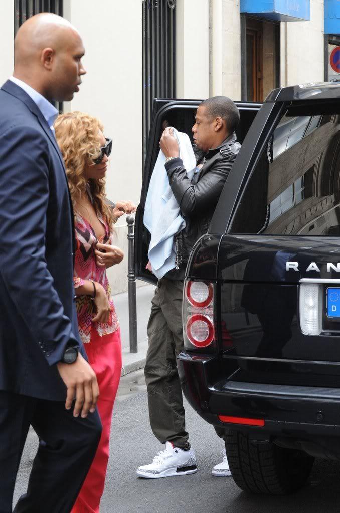 Beyoncé, Jay et Blue à l'hotel Meurice (04/06) 48488965493e043b_79050PCN_Jayonce03xxxlarge