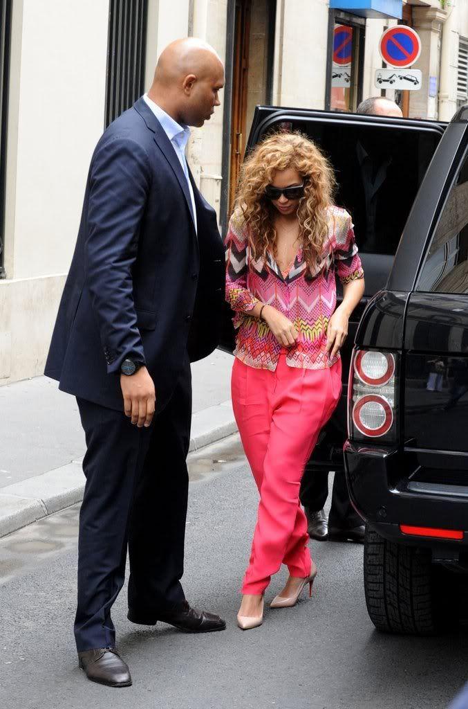 Beyoncé, Jay et Blue à l'hotel Meurice (04/06) Cb08e9611308084a_79050PCN_Jayonce01xxxlarge