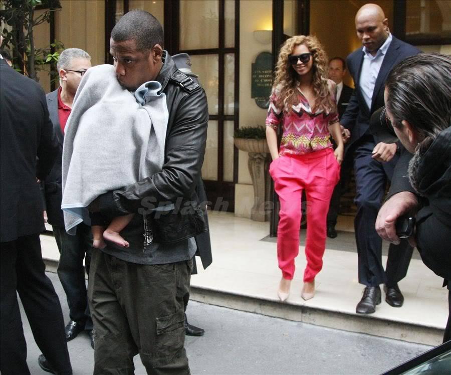 Beyoncé, Jay et Blue à l'hotel Meurice (04/06) Spl401789_002-wm900