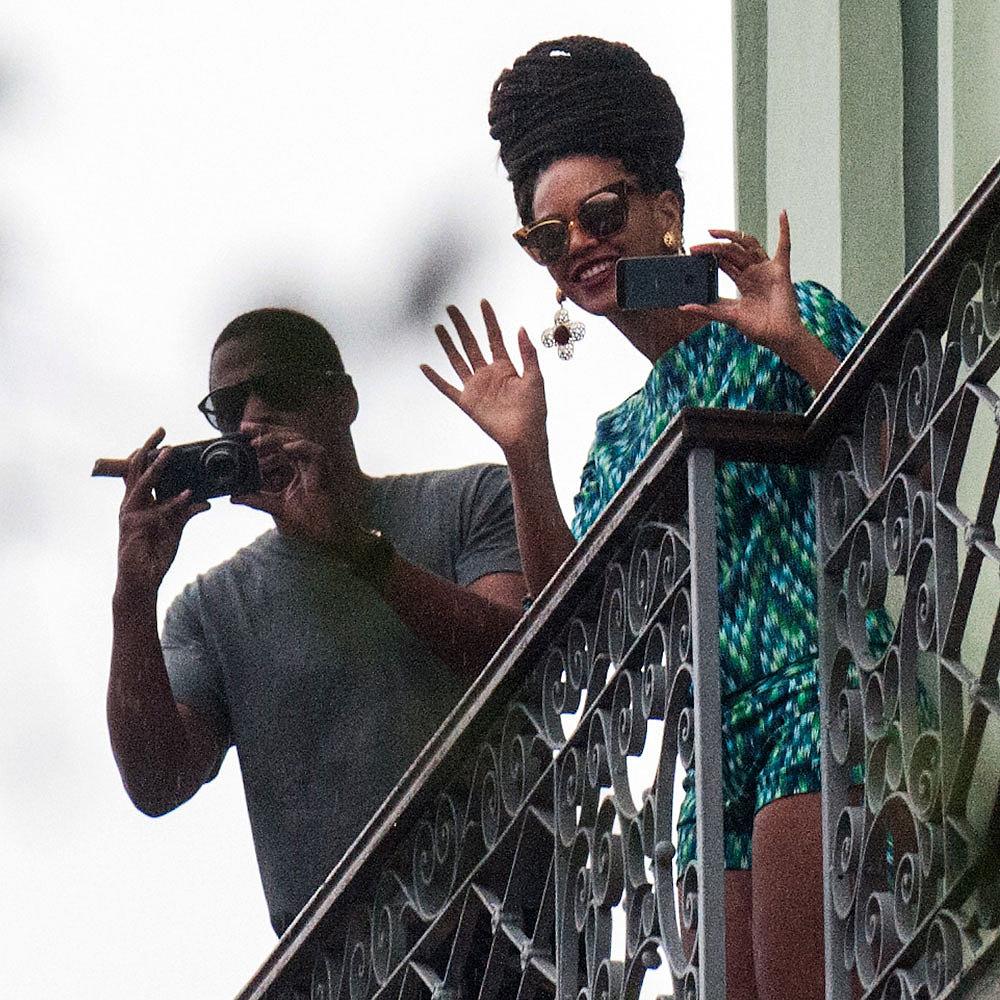 Beyoncé > Apariciones en público <Candids> [III] Beyonce-Jay-Z-Vacation-Cuba_zps4631c08e