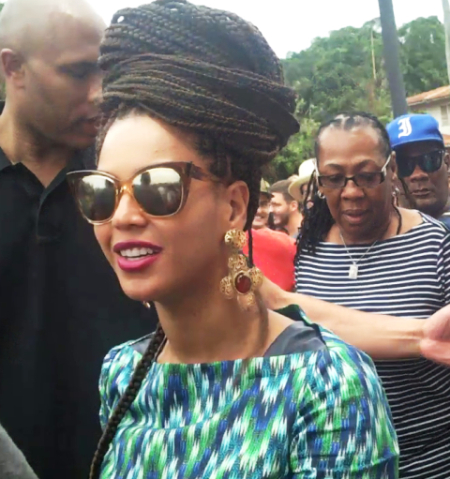 Beyoncé > Apariciones en público <Candids> [III] A4096c63d70b03c30238e8e0d8c2ba78_zps2322d97e