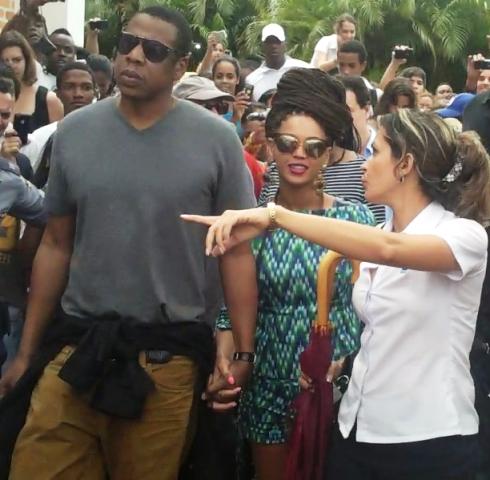 Beyoncé > Apariciones en público <Candids> [III] A9c14b832a02da54805744112feae91a_zpsc5339c27