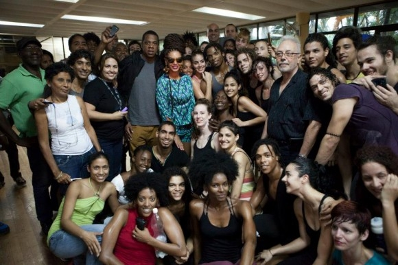 Beyoncé > Apariciones en público <Candids> [III] E895825756c6063c0803fcb3e0c0fa2d_zps38c4ae02