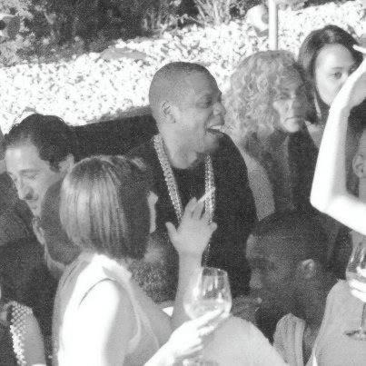 Beyoncé est à Paris! - Page 2 A47e4d73