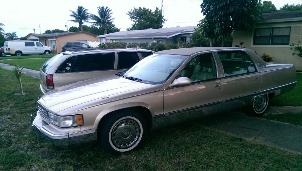 So Chris spotted a Fleetwood.......and I adopted it. Tims50_zps203ab6e4