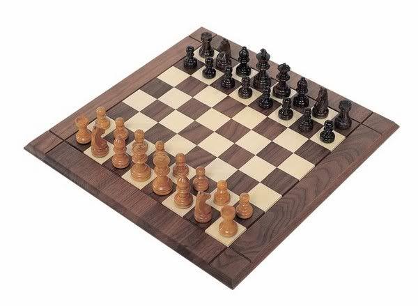 whos good at chess 82642-3