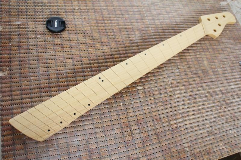 Mais trabalho pro Samuel: Jazz Bass 5 Cordas Fanned - Página 3 IMG_4560_zps85843ca5
