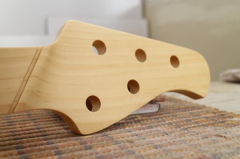 Mais trabalho pro Samuel: Jazz Bass 5 Cordas Fanned - Página 3 IMG_4561_zps463862f3