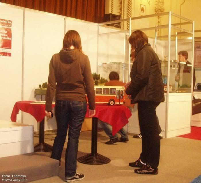 """Štacion na 9. godišnjoj izložbi """"Informatika, inovacije, tehnika"""" (ZTK Rijeka) 2009-11-26_IIT_MANA"""